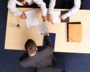 Médiation dans les affaires de contentieux des affaires